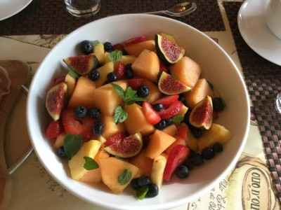 Fruit salad limoncello